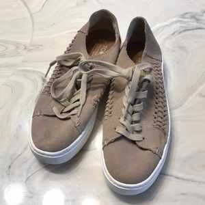 Toms Shoes - Size 5.5 Toms Tan Lace Up Sneakers